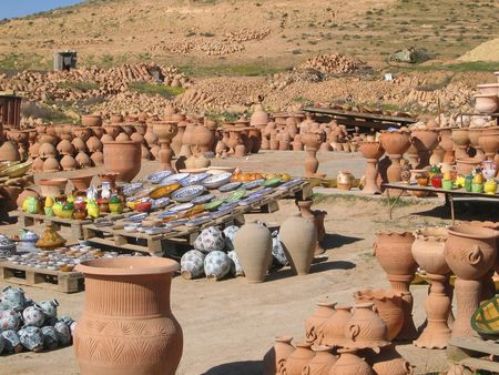 libyan: Clay pots in Garian