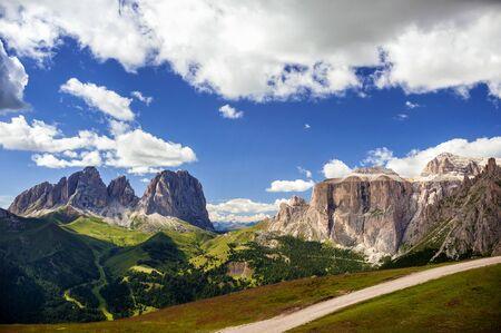 The Pordoi Pass and the Pordoi Plateau (Sass Pordoi). You can also see the Catinaccio. Trentino Alto Adige, Italy Foto de archivo