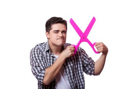 Lustiger Mann mit großen Scheren. Weißer Hintergrund Standard-Bild