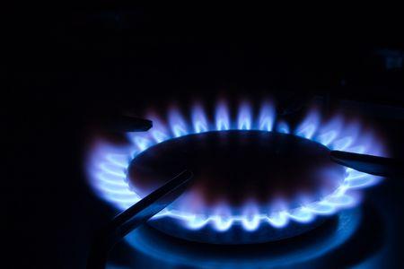 alight: Fiamme blu del gas - bruciatore della stufa