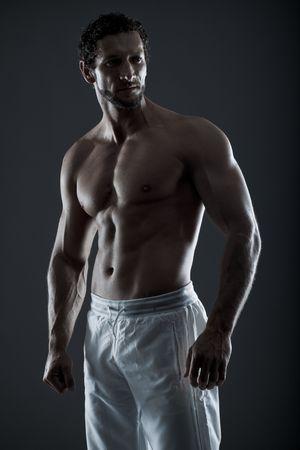 hombres musculosos: Impresionante imagen de un culturista, decorados de esculturas