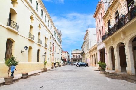 Straße in der Altstadt von Havanna, Kuba Standard-Bild - 17920124