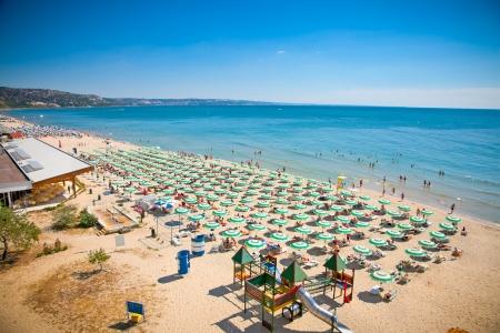 Panoramatický pohled na Zlaté písky pláže Zlatni Piasci v Bulharsku