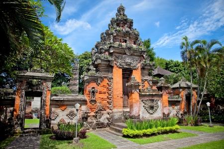 Entrance gate of Negeri Propinsi Museum in Denpasar,  Bali, Indonesia Banco de Imagens - 19158887