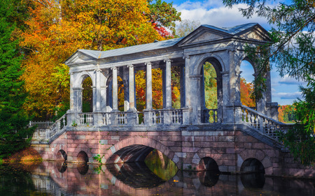 pushkin: The Siberian marble gallery - marmoreal bridge in the landscape park of Tsarskoe Selo