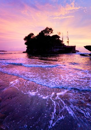 lombok: The Tanah Lot Temple, the most important indu temple of Bali, Indonesia.