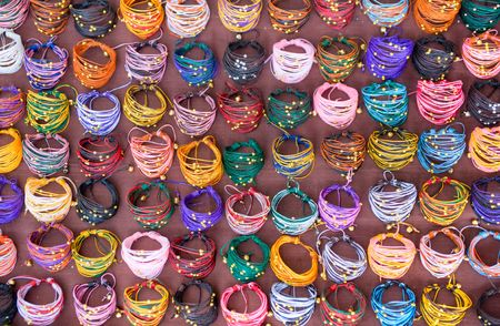 bijoux: Selling Bracialets on the street, Bangkok, Thailand.