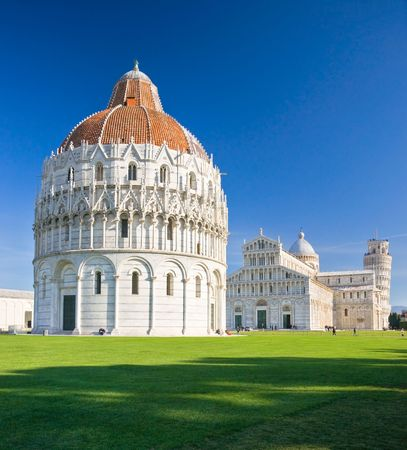 Pisa, Piazza dei miracoli, with the Basilica and the leaning tower. Shot with polarizer filter. Stock Photo - 6183504