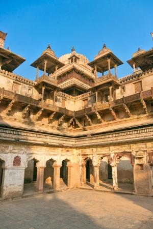 nandi: Palace in Orchha, Madhya Pradesh, India  Stock Photo