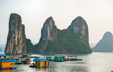 Halong Bay, Vietnam.  Stock Photo - 8422699