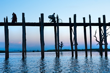 birma: U Bein brug bij Amarapura, Mandalay, Birma. Stockfoto