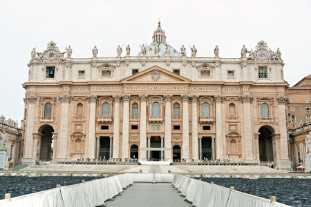 San Peter square on a cloudy day, Rome, Italy. Stock Photo - 8785192