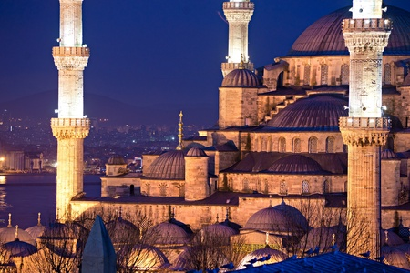camii: Sunset over The Blue Mosque, (Sultanahmet Camii), Istanbul, Turkey.