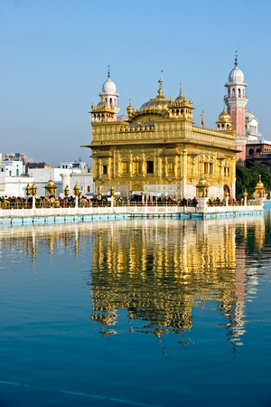 monument in india: Peolpe visiting The Golden Temple, Amritsar, India.