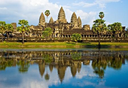hinduismo: Templo de Angkor Wat antes de la puesta del sol, Siem Reap, Camboya. Foto de archivo