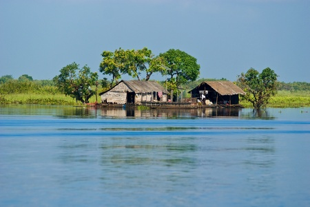 mekong: Tipical Houseboat in the Mekong River near battambang, Cambodia.