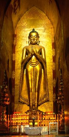 trone:  Buddha inside Ananda Temple, Bagan, Myanmar    Editorial