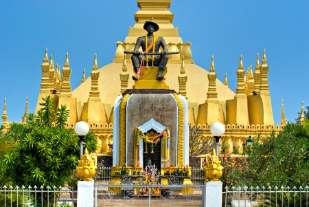 banian tree: The sacred Wat That Luang, Vientiaine,Laos  Stock Photo