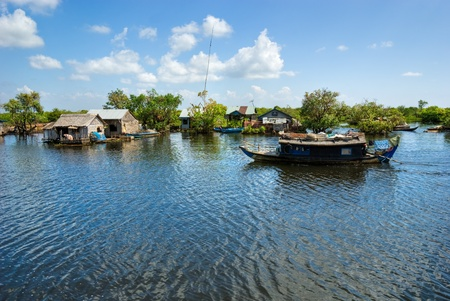 siem: Floating House and  Houseboat on the Tonle Sap lake, between Battambang and Siem reap. Cambodia.