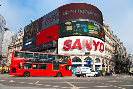 sanyo: LONDON - MARCH 03 View of Piccadilly Circus on March 03, 2011 in London  Famous advertisements of TDK and Sanyo have been here for at least 20 years and are considered symbols of famous square