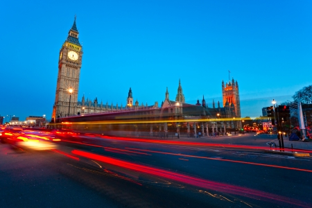 The Big Ben, the House of Parliament and the Westminster Bridge at night, London, UK. Banco de Imagens