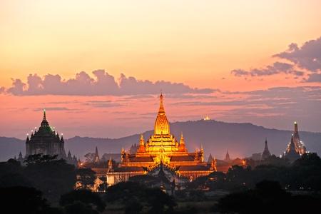 bangkok temple: Three of the most beautiful temple of bagan after sunset, The Ananda Pahto, The Gawdawpalin Pahto and the ThatbyinnyuPlain of Bagan, Myanmar.