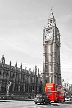 londre nuit: Le Big Ben, la Chambre du Parlement et le pont de Westminster, la nuit, Londres, Royaume-Uni.