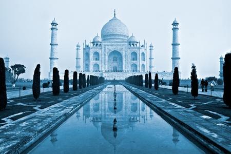 uttar pradesh: The Taj mahal at sunrise, Agra, Uttar Pradesh, India.