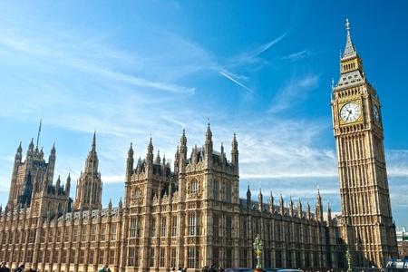 빅 벤, 의회 하우스와 밤, 런던, 영국 웨스트 민스터 다리. 에디토리얼