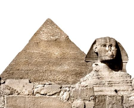 esfinge: La esfinge y la gran pirámide, Giza, Egipto aislado en blanco Foto de archivo