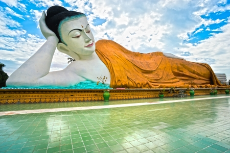 Giant sleeping Buddha  100 mt  , Bago, myanmar  Stock Photo - 17670634