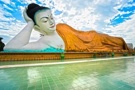 banian: Giant sleeping Buddha  100 mt  , Bago, myanmar  Stock Photo