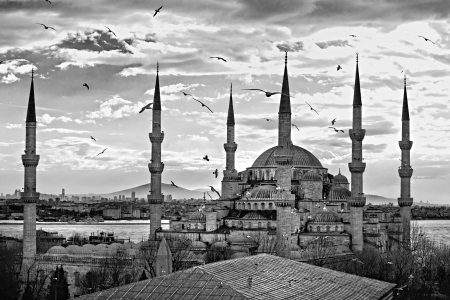 mid morning: The Blue Mosque, (Sultanahmet Camii), Istanbul, Turkey. Stock Photo