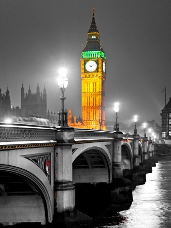 westminster: The Big Ben, the House of Parliament and the Westminster Bridge at night, London, UK. Stock Photo