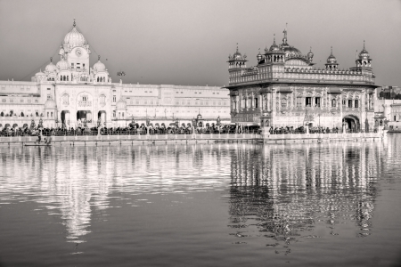 sikh: People at Golden Temple in Amritsar, Punjab, India.