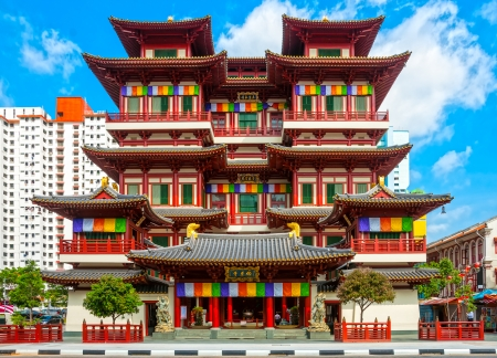 chinese temple: The Buddha Tooth Relic Temple in Singapore