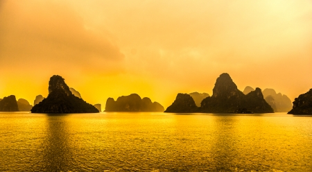 long lake: Halong Bay, Vietnam. Most popular place in Vietnam.