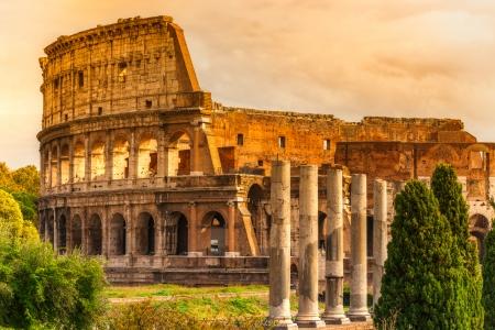 roma antigua: El Majestic Anfiteatro Coliseo, Roma, Italia.