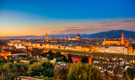 firenze: Florence sunset skyline view.