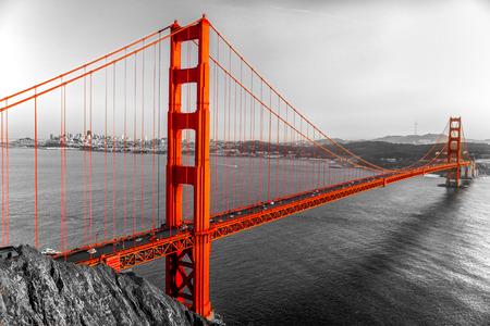 dorado: Golden Gate en San Francisco, California, EE.UU..