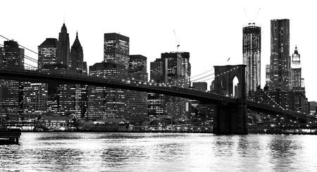브루클린 다리에 석양과 맨하탄, 뉴욕시. 미국.