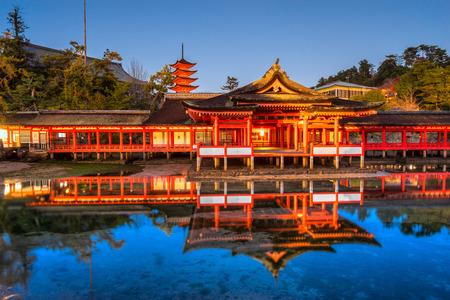 Itsukushima Shrine at night, Miyajima, Japan. 報道画像