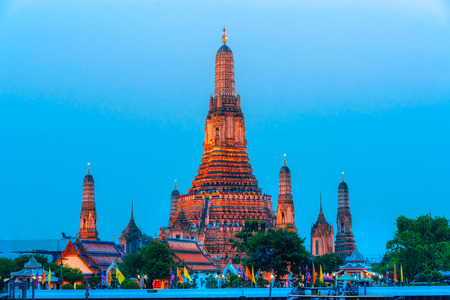 wat arun: Wat Arun, The Temple of Dawn,  Bangkok, Thailandia. Editorial