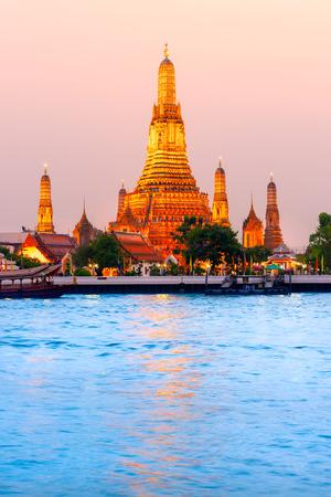 phraya: Wat Arun, The Temple of Dawn in Bangkok, Thailand
