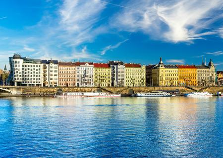 Prag, Tanzhaus, Tschechische Republik Standard-Bild - 52709489