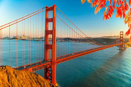 estructura: Puente Golden Gate, San Francisco, California, EE.UU..