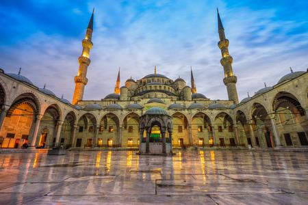 The Blue Mosque, (Sultanahmet Camii), Istanbul, Turkey. 스톡 콘텐츠