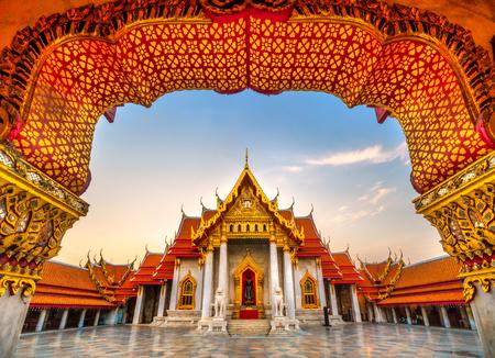 The Bangkok Marble Temple, Wat Benchamabophit Dusit wanaram.  Bangkok, Thailandia. Editöryel