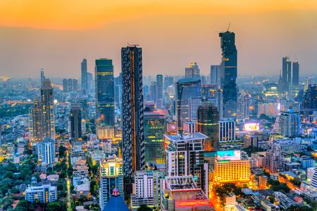 Aerial view of Bangkok skyline at sunset, Bangkok, Thailandia.