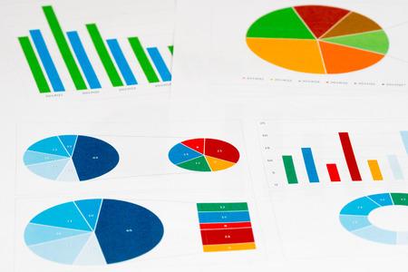 graficos de barras: muchos colores pastel y gr�ficos de barras de fondo